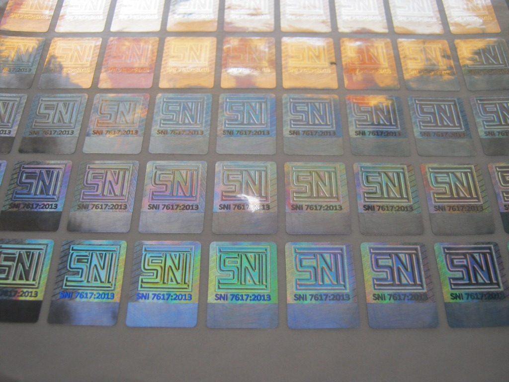 Stiker Hologram SNI 7617 2013 (Pakaian Anak) 7617 2013 1.5x2cm Logo Custom